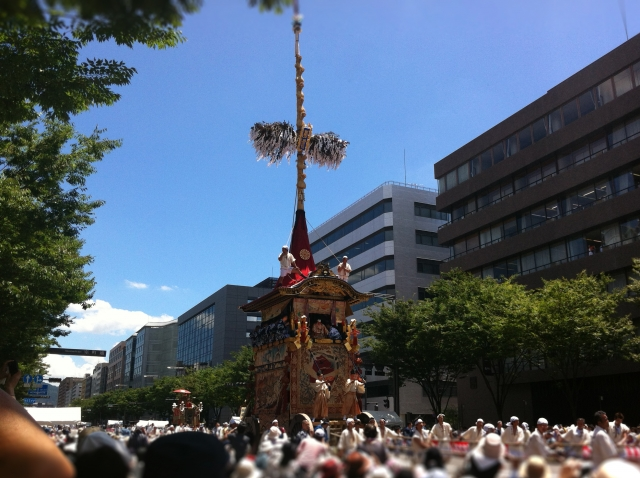 祇園祭2019の混雑状況や交通規制、渋滞、通行止めの回避方法、駐車場の場所